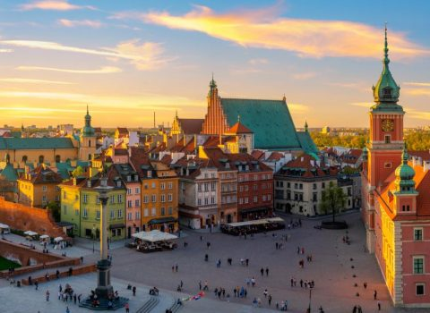 Warsaw-Royal-castle-and-old-town-at-sunset-HD